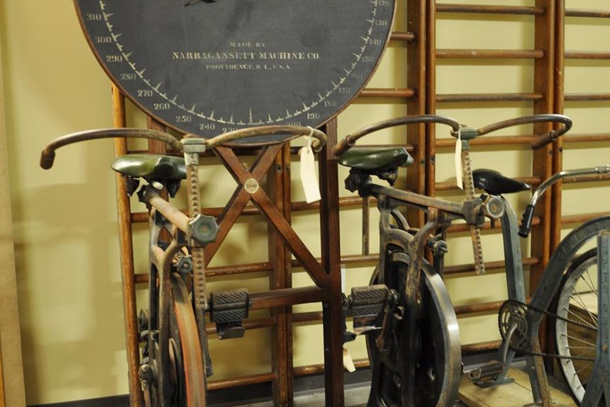 Narragansett Machine Co. Standard Bicycle Trainer