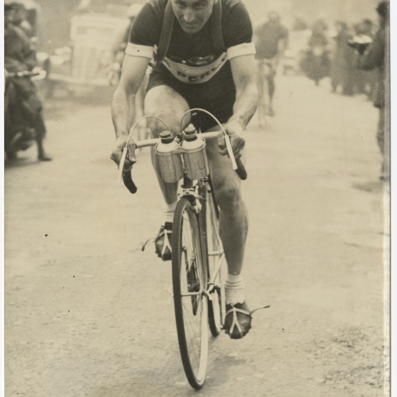 Émile Idée Cycling Photograph